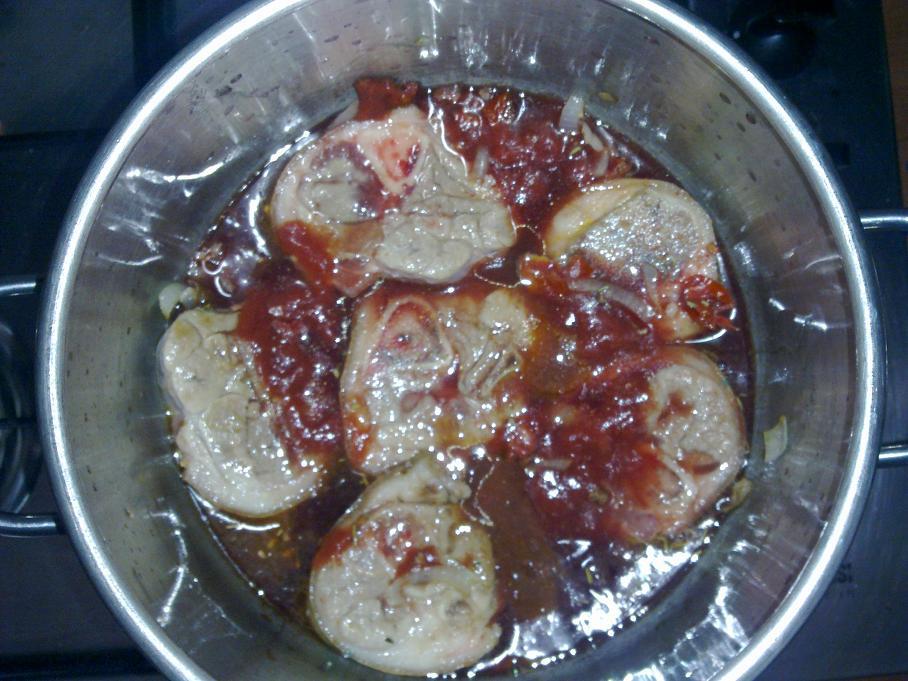 Ossibuchi di maiale in cucina con carlo for Si riportano in cucina