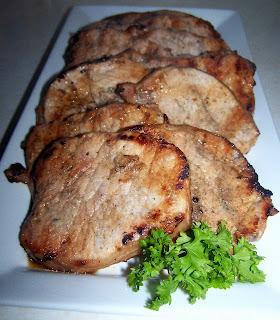 TheKitchenCookie: Grilled Garlic Pork Chops