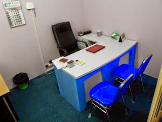 meja kerja pimpinan kantor minimalis semarang 01