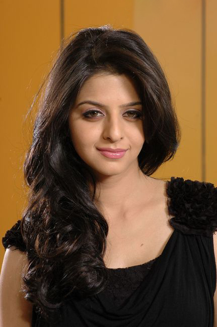 Vedhika in Black Dress Cute Picture Photo Shoot - N/W  Vedika-Hot-Photoshoot-Stills-CF-06