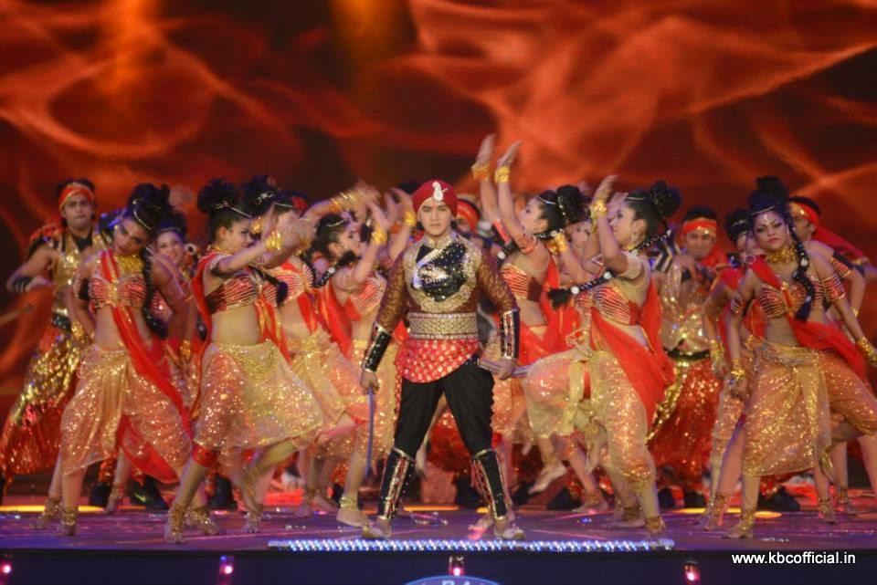 All Exclusive Pictures from KBC Surat Episode : The Grand Premiere of Kaun Banega Crorepati