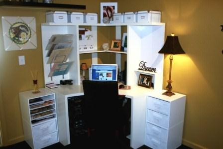 Decorating Ideas With a Small Corner Desk