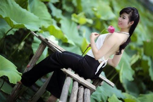 Girl xinh với áo yếm xưa 28