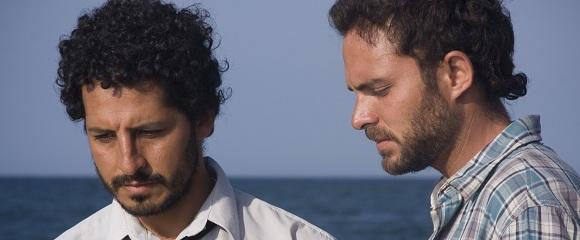 Cristian Mercado e Manolo Cardona em CONTRACORRENTE (Contracorriente)