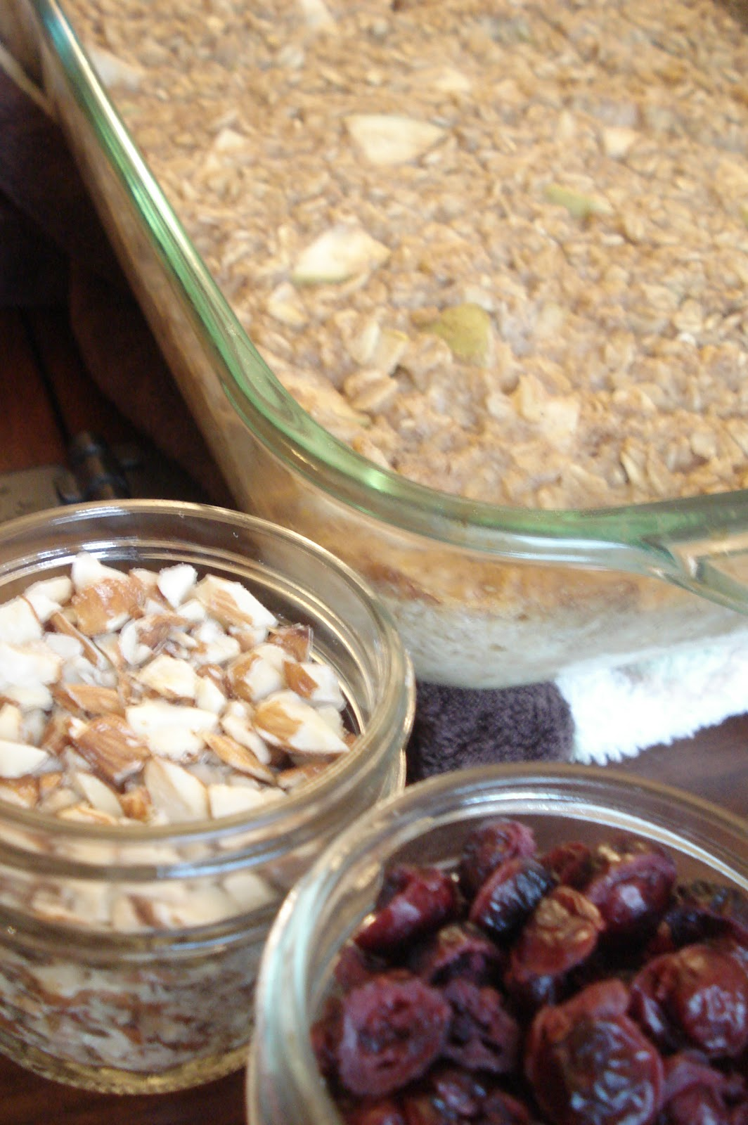 Thrifty Living: Baked Apple Cinnamon Oatmeal