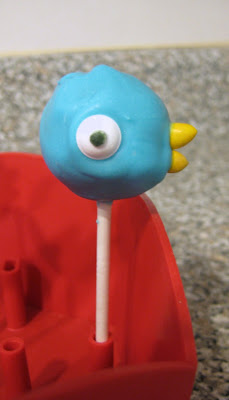 Mo Willems' The Pigeon Cake Pop 3 - Opposite Side