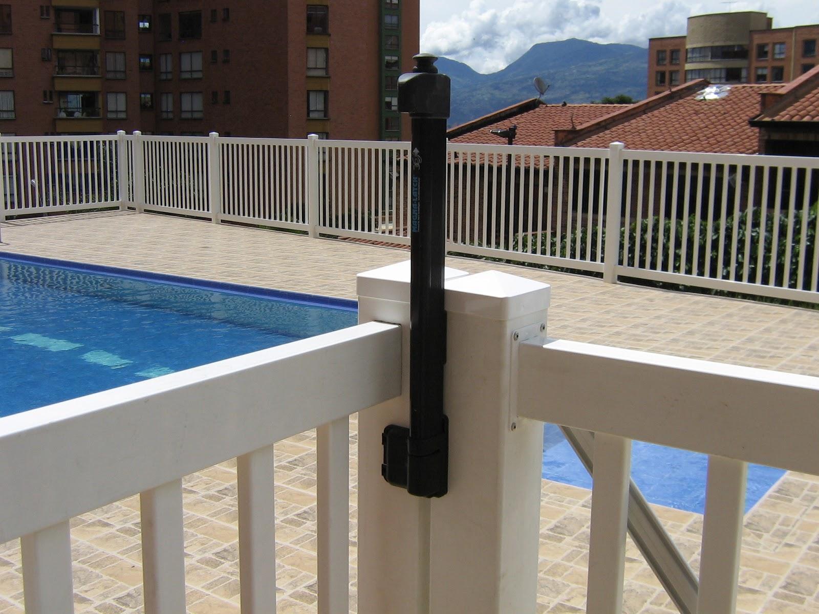 Piscinas integrales sas cerramientos para piscinas for Piscinas plasticas colombia