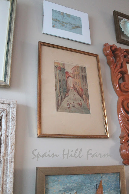 gallery wall ideas for family room with vintage pictures