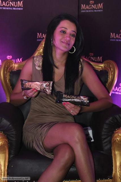 Trisha-At-Magnum-Ice-Cream-Launch+(11)
