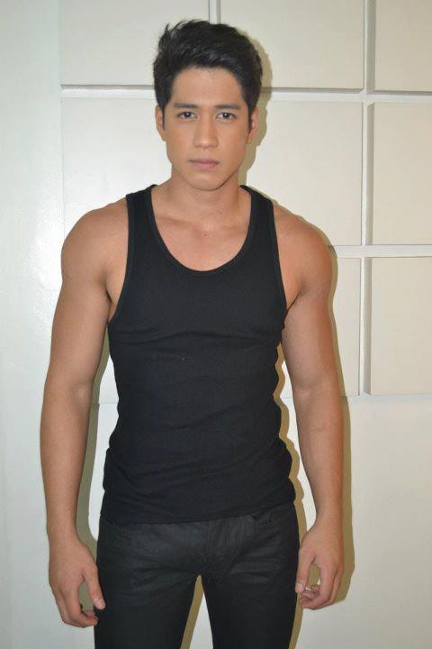 Kapuso hunk Aljur Abrenica in an all-black ensemble. Email ThisBlogThis!