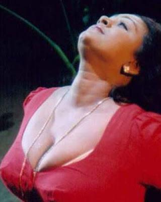 Indian Videos Hot Desi mouth fucking video by Desi porn blog