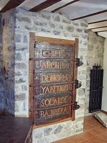 Archivo del Solar de Valdeosera en su sede de San Román de Cameros.