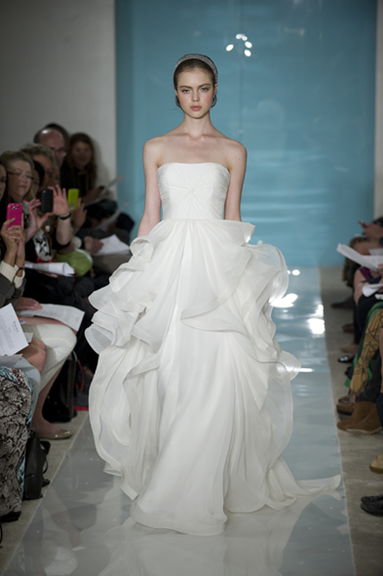 I am a Woman in Love: Bridal Trends in 2013 - Lace, Peplum, Trumpet ...