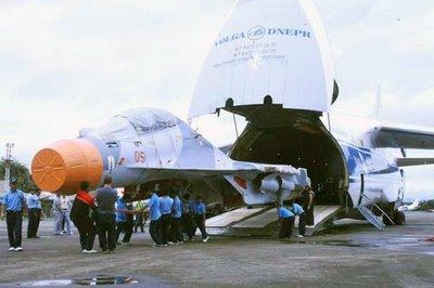 Jakarta - Pengiriman dua dari enam unit Su-30 Mk2 itu bisa dilakukan ...
