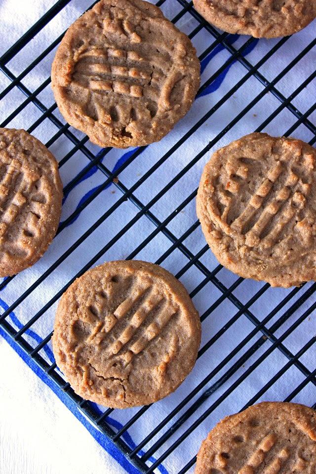 Grandma's 1950's Peanut Butter Cookies | Recipe by chelsa-bea.com