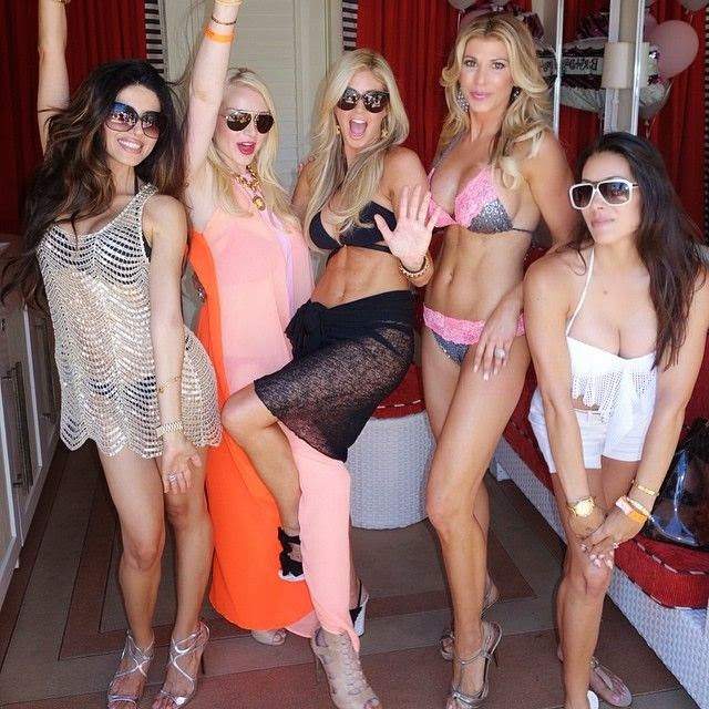 It's what she does best and during a pool party in Wynn, Las Vegas on Saturday, June 28, 2014, Alexis Bellino decided to slip on a pink string bikini.