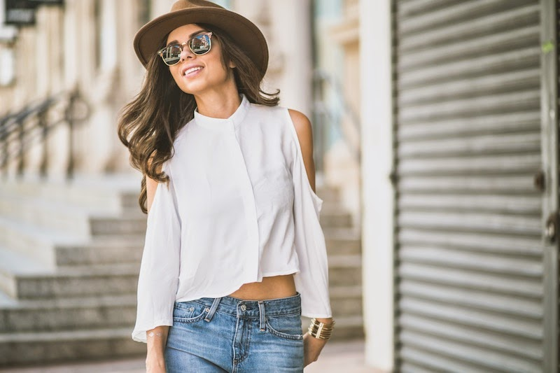 fashion, miami fashion, miami fashion blogger, fashion bloggers, daniela ramirez, nany's klozet, boyfriend jeans, hat, exposed shoulders, oxfords