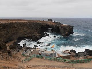 Punta de Arucas roque se adentra en el mar