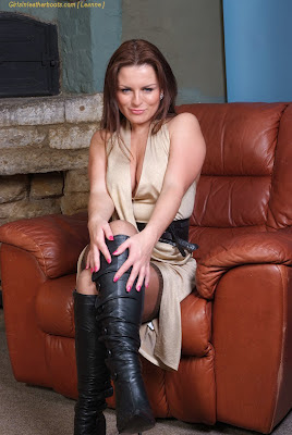 Leanne posing in sexy leather boots