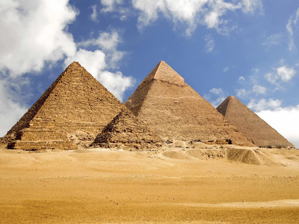 http://2.bp.blogspot.com/-0Xg70v3IKmc/TsUNmYkqAmI/AAAAAAAAFMA/mHzX_KRCoRg/s1600/egypt_pyramids-wallpapers.jpg