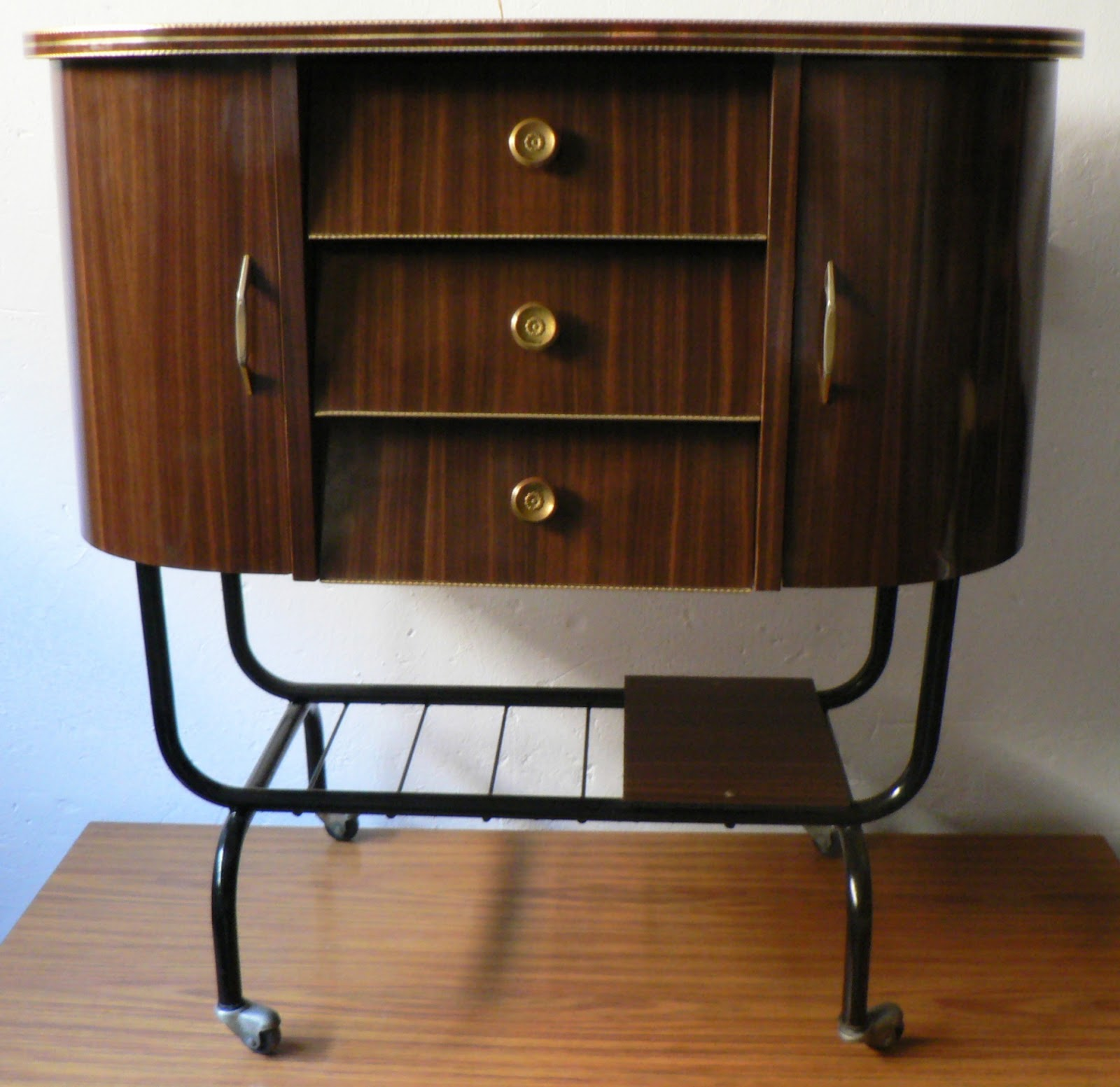 Vintage kitsch siglo xx mueble bar auxiliar formica a os 50 - Muebles daneses anos 50 ...
