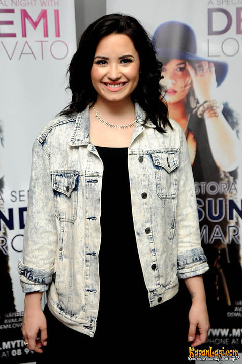 Was The First Time I Held A Concert In Jakarta And You Are Very Great Enthusiasm Amazing Jakarta Cried Demi On Stage