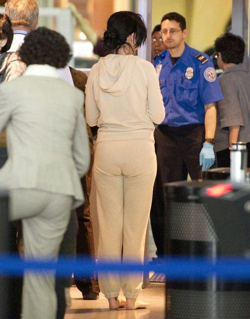 Katy Perry en el Aeropuerto JFK muy casualmente Perry-aeropuerto-001