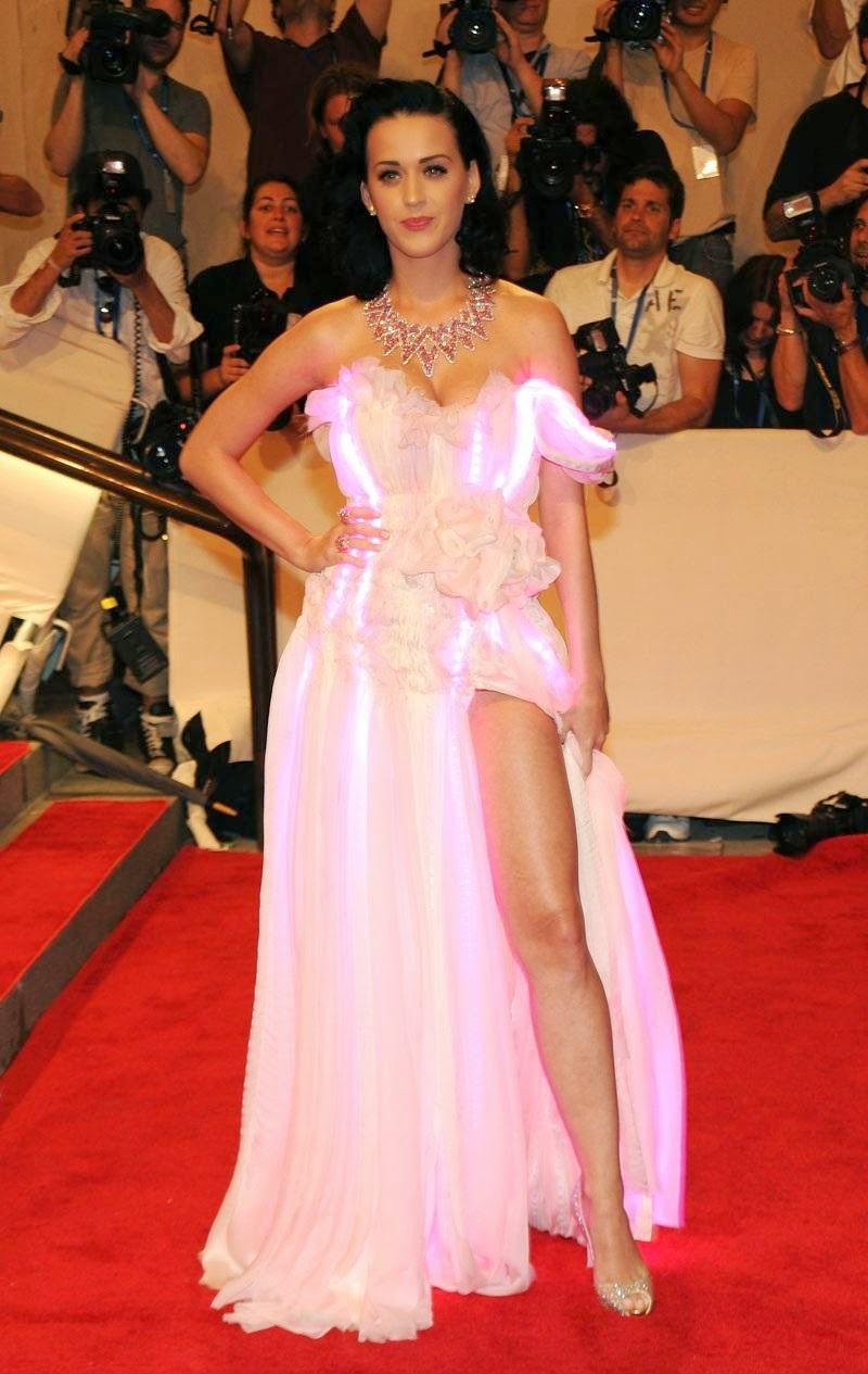 Katy Perry, red carpet, lauren lorraine paula, kitten heel, wedding shoe