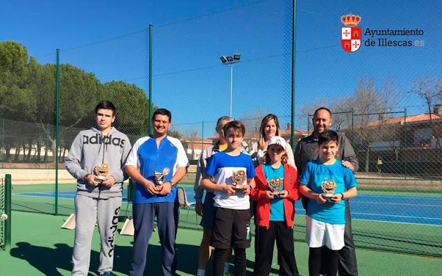 Cuadro de campeones  en las pistas de tenis, Imagen Illescas.es