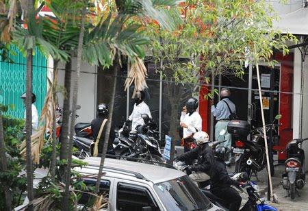 Foto Perampokan Bank CIMB Niaga Medan