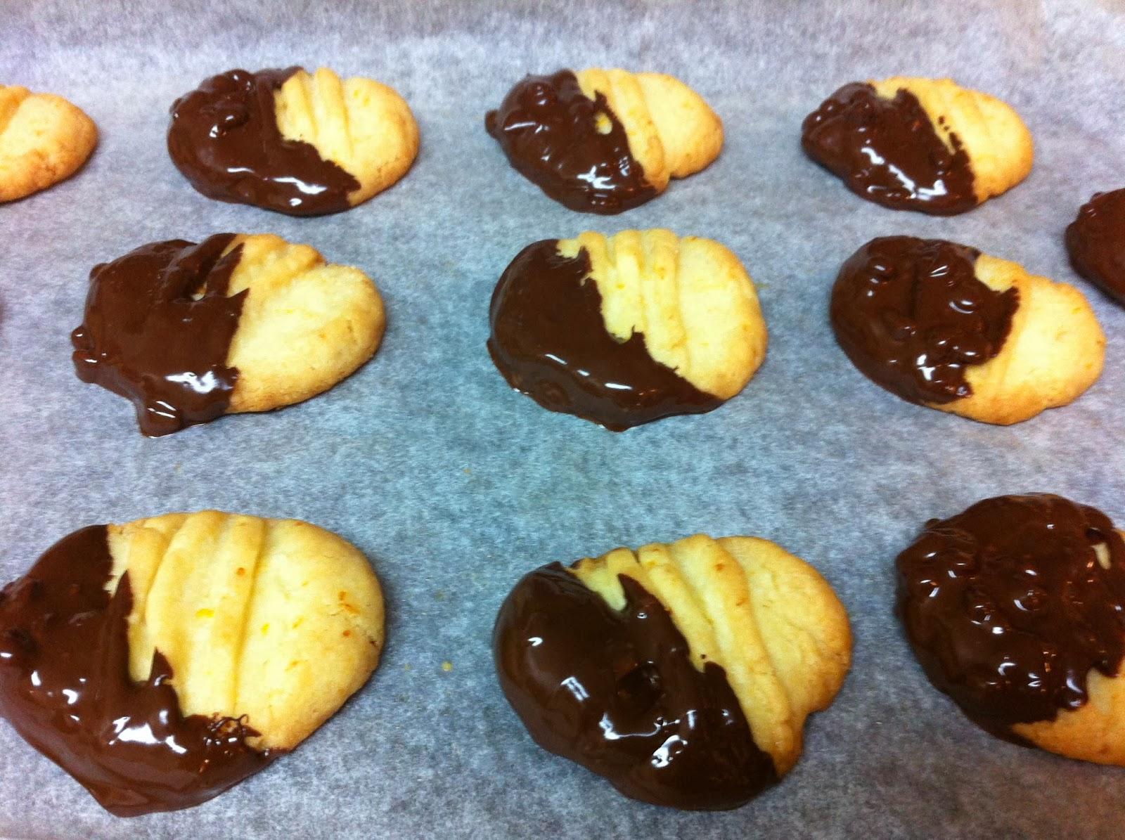 The Food Nerd`s Diary: Chocolate dipped orange cookies