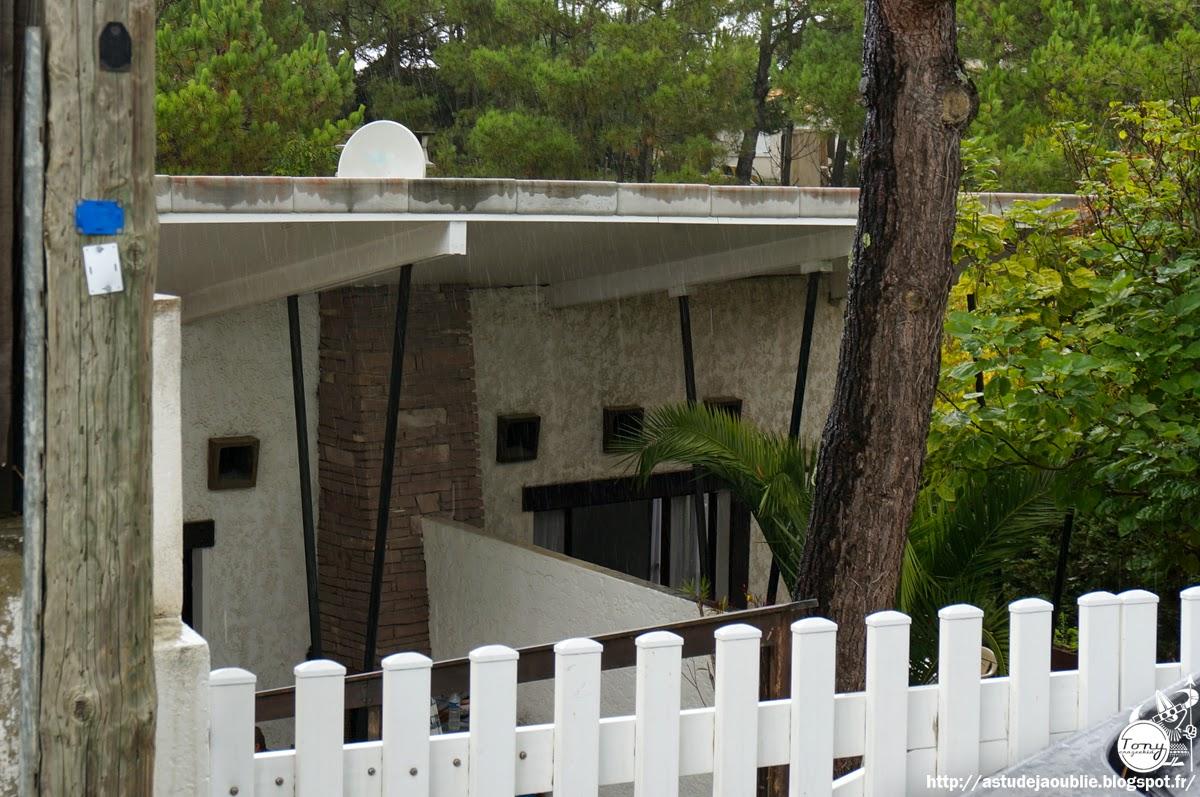 as tu d j oubli 50s 60s 70s architecture l ge cap ferret 14 villas modernes 1950 1960. Black Bedroom Furniture Sets. Home Design Ideas