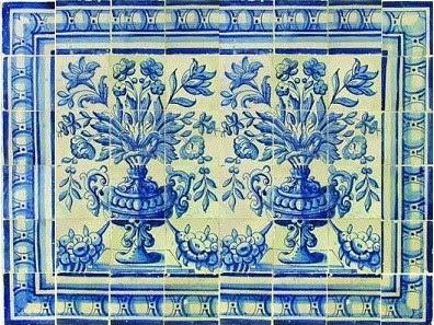 Velharias azulejos do s c xviii fragmentos de um floreiro for Fabrica de azulejos