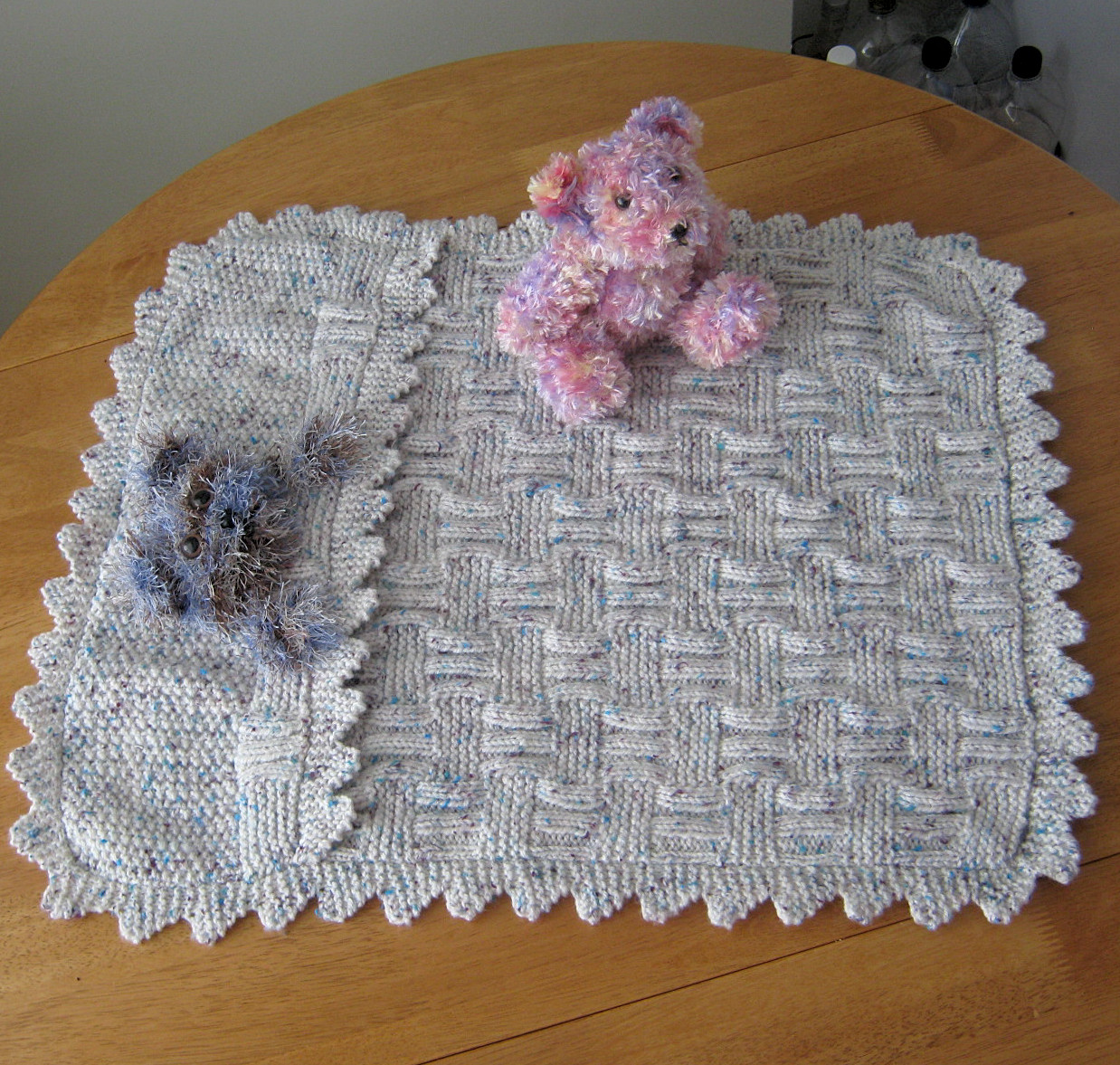 Knitting Pattern For Teddy Bear Baby Blanket : PollyKay and Sidders: October 2011