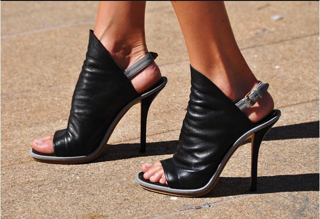 best sale for sale Balenciaga Slide Glove Sandals countdown package cheap online cheap shopping online acWNk