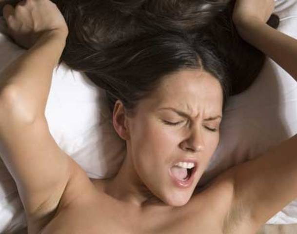 Смотреть порно видео как девушки кончают на порно ком