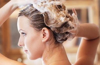 Tips Memilih Shampoo untuk Rambut Rontok