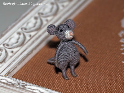 crochet tiny mouse