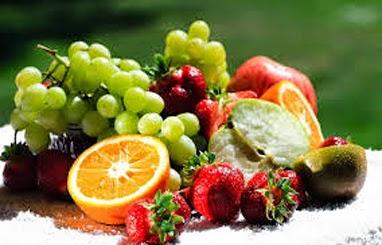 نصائح سريعة وطرق لتخفيف الوزن Fresh-fruits.jpg