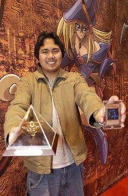 John Umali com seus prêmios