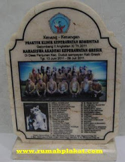 gambar plakat, plakat plakat, plakat kristal surabaya, 0856.4578.4363, www.rumahplakat.com