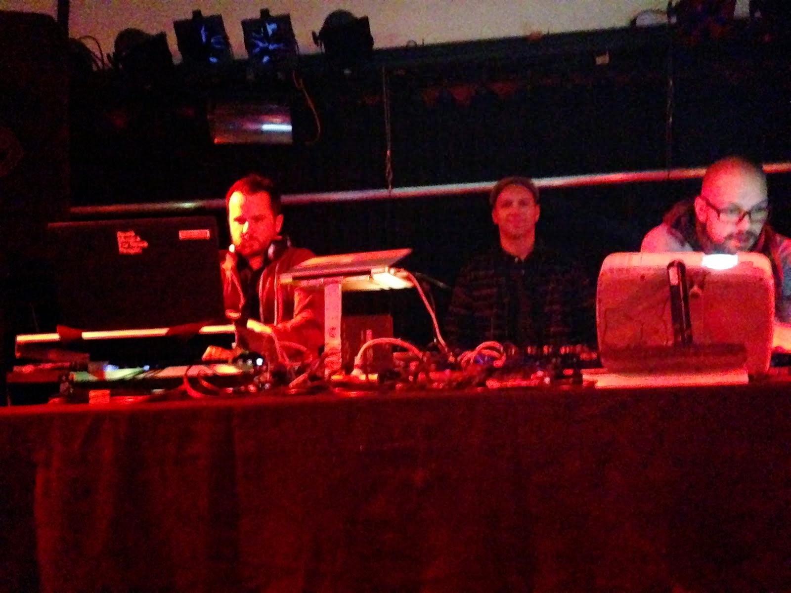 alex soulbrigada,shantisan & dj querbeat @spielboden/at 27.12.1014