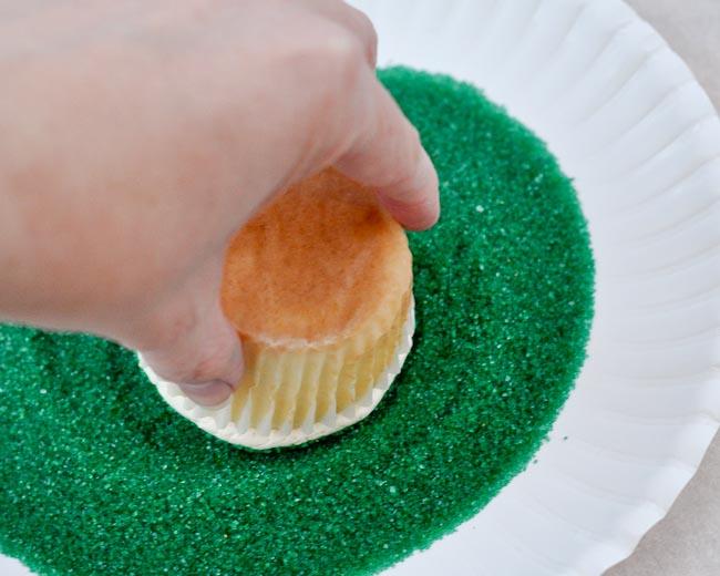 Simple Christmas Cupcakes