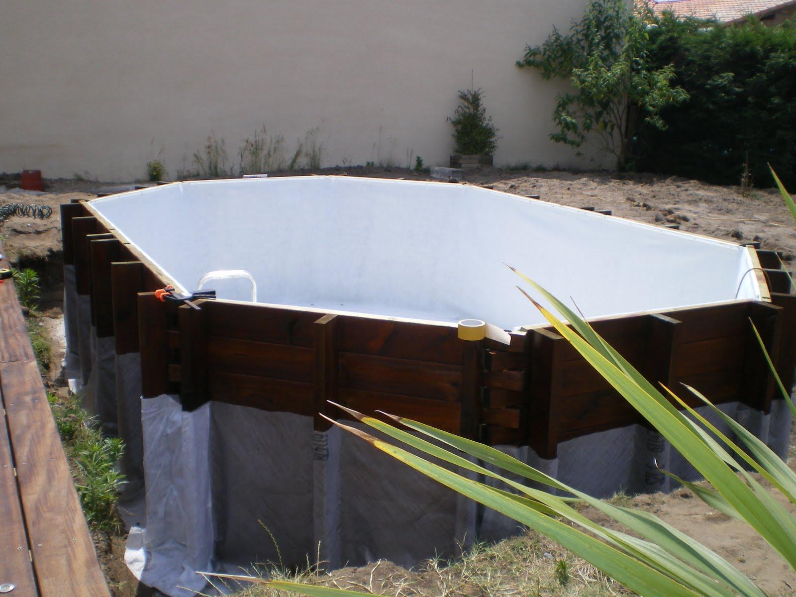 Piscine en kit bois phase 4 protections et liner for Pose feutre piscine