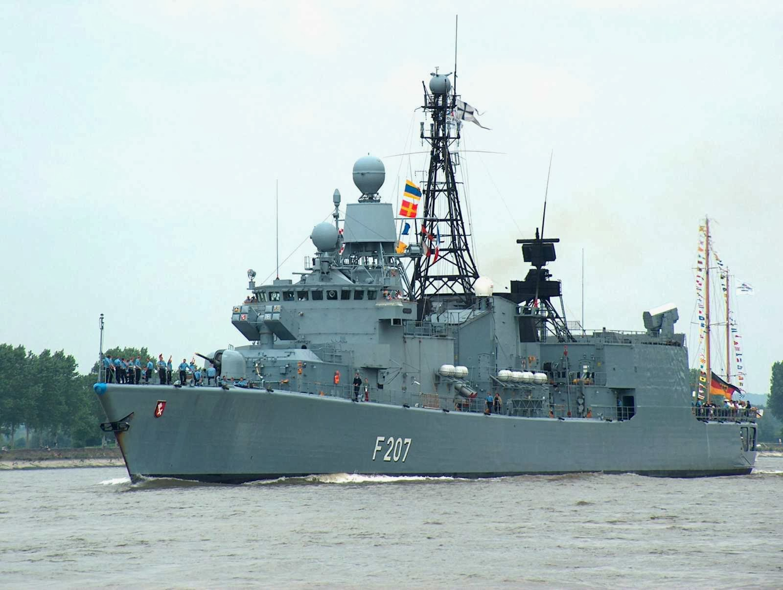 Frigate Bremen Class Jerman yang pensiun tahun 2013