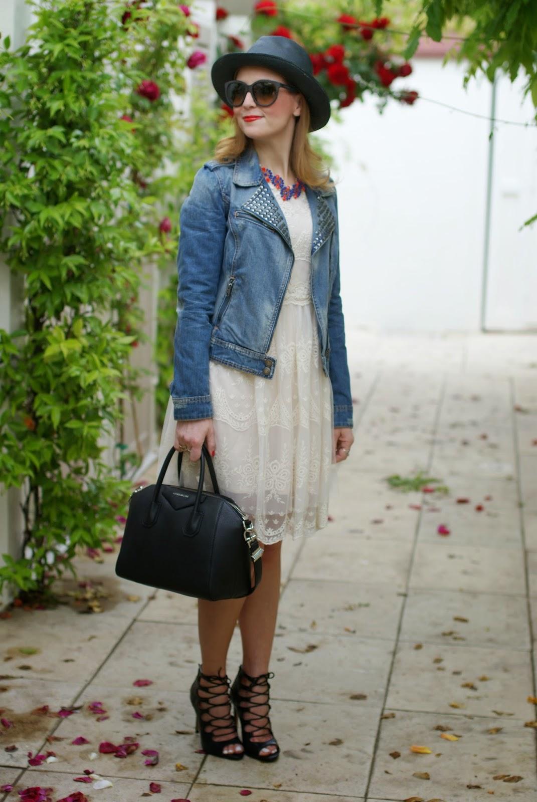 Chicwish lace dress, Givenchy Antigona, Majestical necklace, Fashion and Cookies, fashion blogger