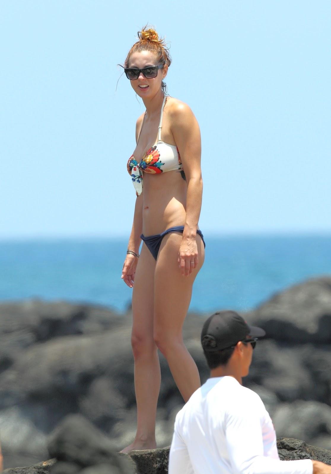 Eva Amurri Bikini Pictures Sexy Leg Cross