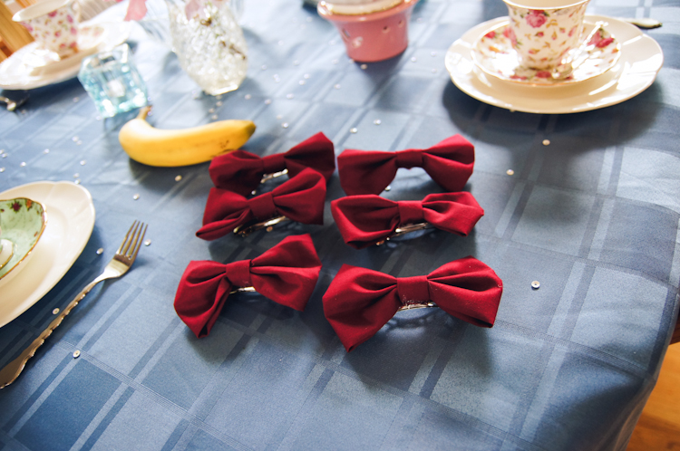 DIY Bowtie Hairclips :: Doctor Who Tea Party :: Ribbons Down My Back