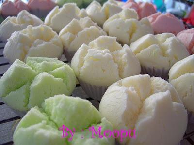 ขนมปุยฝ้าย_ふわふわしたカップケーキ_Fluffy Cup-Shaped Cake