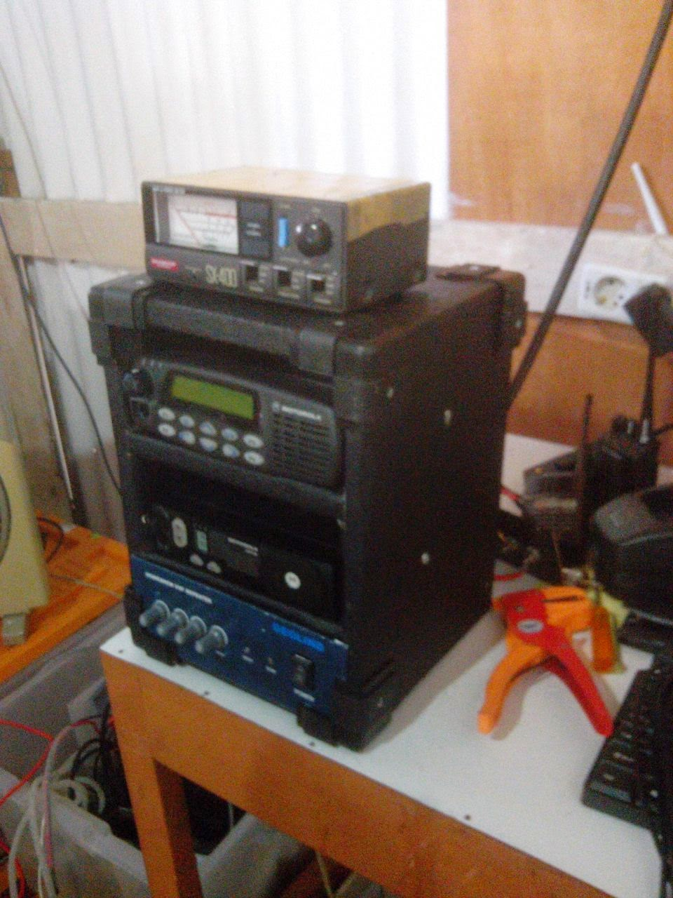 REPEATER RADIO KOMUNIKASI